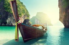 Шлюпка и острова в море andaman Стоковое фото RF