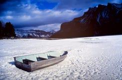 Озеро утесистые гор Стоковые Фото