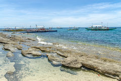 Шлюпка на море на острове Apo Стоковая Фотография