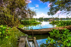 Шлюпка на озере Стоковые Изображения RF