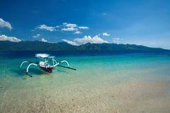 Шлюпка на пляже Gili Trawangan, северном Lombok, Индонезии, Азии Стоковая Фотография RF