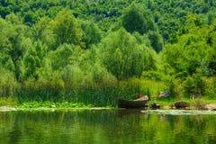Шлюпка, озеро Skadar Стоковое Фото