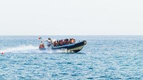 Шлюпка опыта быстроходного катера в Алгарве Португалии Стоковая Фотография