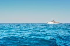 Шлюпка перемещения на море Andaman Стоковая Фотография RF