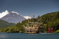 Шлюпка пирата на озере Ashinoko Стоковая Фотография