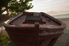 Шлюпка повреждения деревянная Стоковые Изображения RF