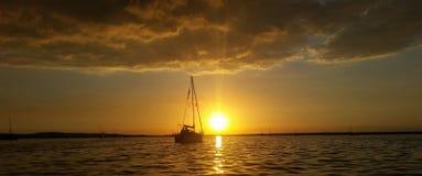 Шлюпка плавания на море Стоковое фото RF