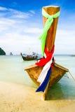 Шлюпка пляжа Krabi на красивом пляже Стоковое фото RF