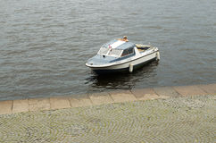 Шлюпка для отключений на воде Стоковые Фото