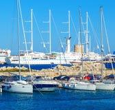 Шлюпки в гавани mandraki Городок Родоса, Греция Стоковое фото RF