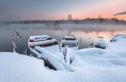 Шлюпки в зиме Стоковые Изображения RF