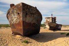 Шлюпки в пустыне - Аральском море Стоковые Изображения