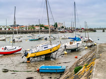 Шлюпки в sur Mer Olonne в Vendee, Франции Стоковое Изображение