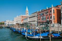 Шлюпки гондолы на Венеции Стоковое фото RF