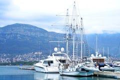 Шлюпки и яхты в койке бара Стоковая Фотография RF
