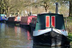 Шлюпки канала на кулачке реки, Кембридже, Англии Стоковое Изображение