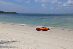 Шлюпки каяка на пляже моря Andaman Стоковое Изображение RF