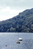 Шлюпки на озере Como стоковая фотография