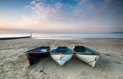 Шлюпки на пляже Борнмута Стоковые Фото
