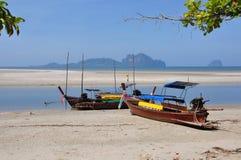 Шлюпки на пляже Стоковая Фотография RF