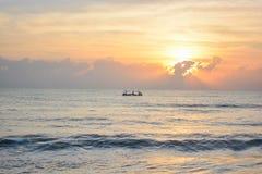 Шлюпки под восходом солнца Стоковое Изображение