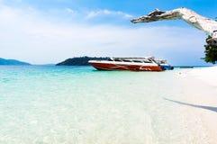 Шлюпки скорости на острове Lipe, Таиланде Стоковые Фото