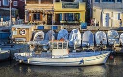 Шлюпки Fishemen в малой гавани Стоковое фото RF