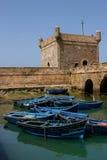 Шлюпки ` s рыболовов в порте Essaouira, Марокко стоковое фото rf