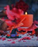 Шляпа ведьмы с тыквами хеллоуина Стоковые Фотографии RF