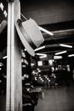 Шляпа в интерьере магазина ber бара винтажном Стоковые Фотографии RF