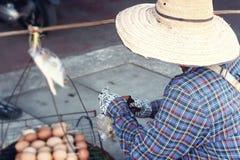 Шляпа человека носит для продажи Стоковая Фотография RF