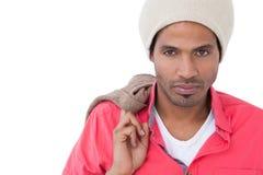 Шляпа beanie серьезного человека нося Стоковое Изображение