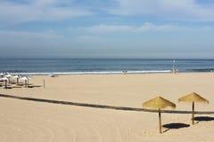 Шляпы Солнця пляжа Carcavelos Стоковые Изображения