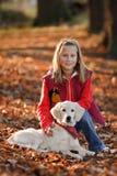 щенок девушки счастливый маленький Стоковое фото RF