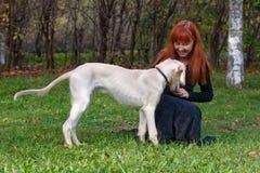 щенок девушки Стоковое Изображение RF