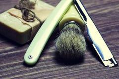 Щетка мыла бритвы острая Стоковые Фото
