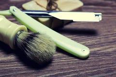 Щетка мыла бритвы острая стоковое фото rf