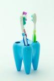щетка предпосылки изолированная над белизной зуба Стоковое Изображение RF