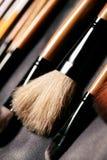 щетки делают установку Инструменты для профессионального выражения лица, maskara, теней для век, учреждения, губной помады, красн Стоковое фото RF