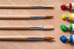 Щетки и краски масла Стоковое фото RF