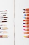 Щетки и crayons Стоковые Фотографии RF