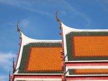 Щипец крыши в тайском стиле стоковое изображение rf