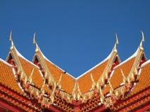 Щипец крыши в тайском стиле стоковая фотография rf