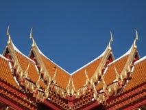 Щипец крыши в тайском стиле стоковая фотография