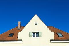 Щипец с окнами стоковое изображение