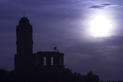 ые церковью руины ночи старые Стоковое Изображение