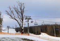 лыжники лыжи подъема стула Стоковое Изображение RF
