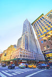 5-ый бульвар с взглядом на Эмпайре Стейте Билдинге Стоковые Изображения
