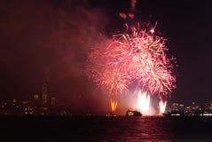 4-ый из фейерверков в июле в Нью-Йорке Стоковые Фото