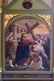 5-ый крестный путь, Simon Cyrene носит крест th Стоковые Изображения RF